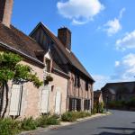 Vannes sur Cosson village (1)